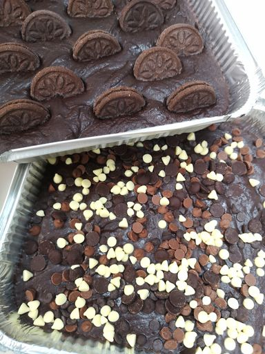 2 trays of brownies to bake at home from Rays Ice Cream, Swindon